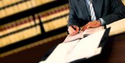 Arbeiten beim Rechtsanwalt / Notar